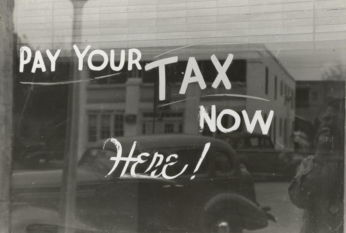 Sign, Harlingen, Texas. 1939. Photographer Lee Russell